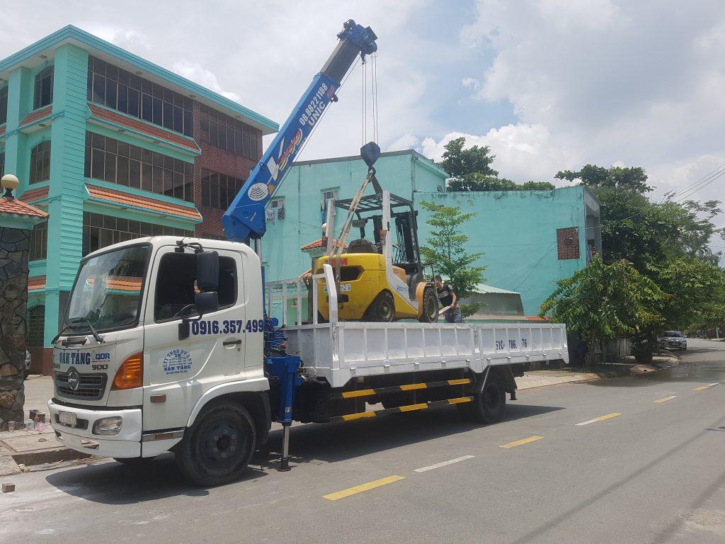 Bán xe cẩu thùng 5 tấn hino 2016